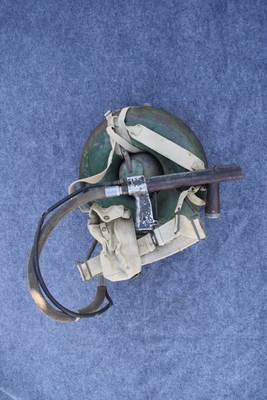 British 1943 Ackpack Flame Thrower Dpp_0010