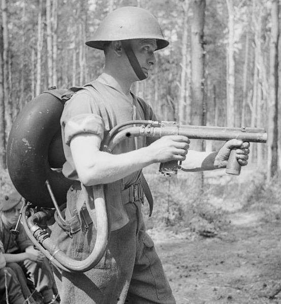 British 1943 Ackpack Flame Thrower Ff10