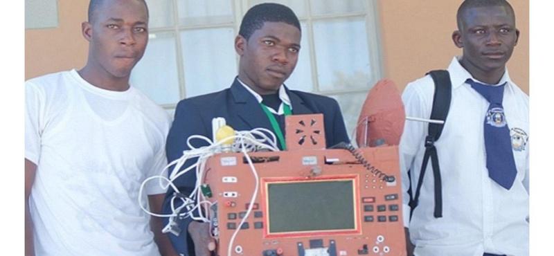 Namibie : un élève de 19 ans invente un téléphone sans fil, sans carte SIM, ni crédit  1024x510