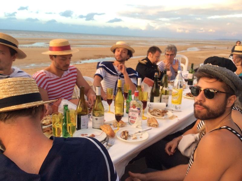 Diner sur la digue Cabourg 2016 et 150 d Ouistreham riva bella Image43
