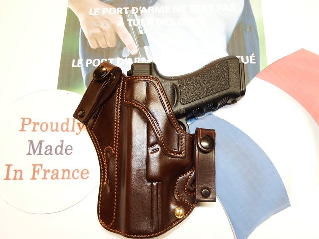 "HOLSTERS INSIDE ""KIDNEY"" pour autos et révolvers by SLYE Dscf0149"