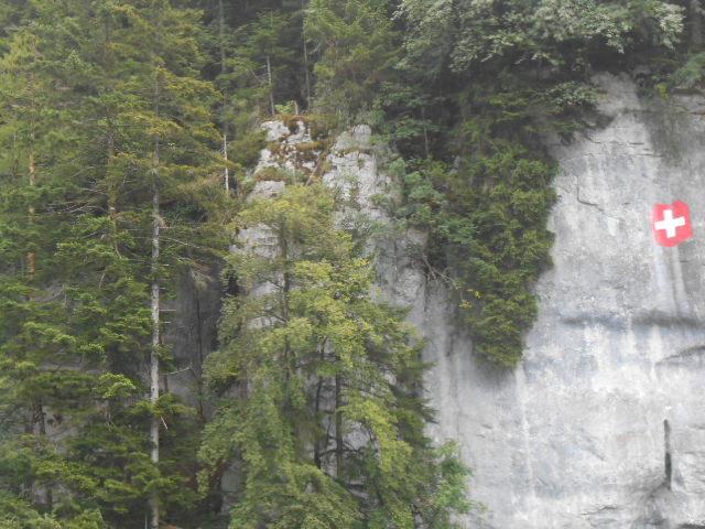 Le Doubs entre la France et la Suisse Dscn5212