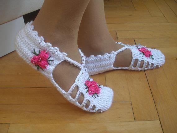 Hand made Crotchet shoes 516f4110