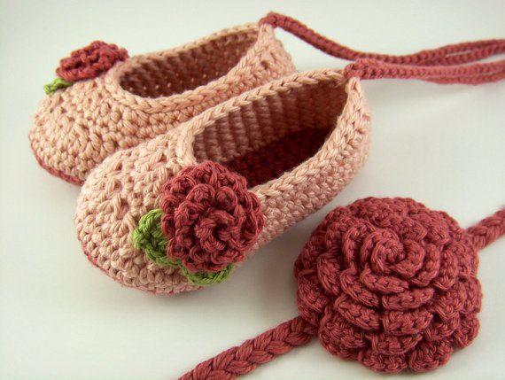 Hand made Crotchet shoes 636a9110
