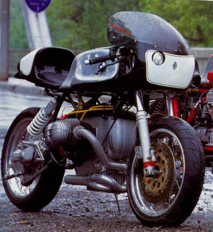 C'est ici qu'on met les bien molles....BMW Café Racer - Page 4 Bmw110