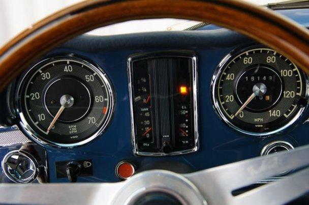 "La ""Pagode"" 280 SL (W113 1967-1971)  27107512"