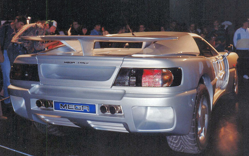 Les Méga 800px-11