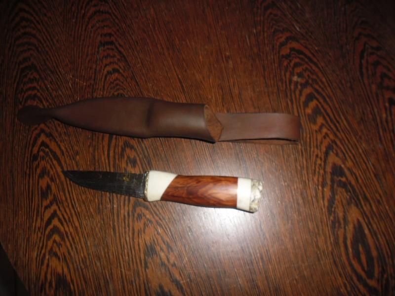Bricolage d'un étui pour couteau. - Page 3 Sam_1424