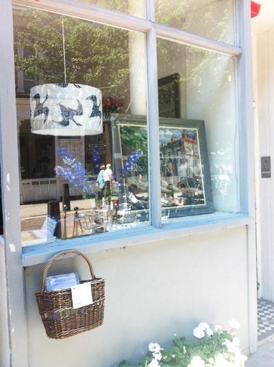 """Persephone Books, la boutique et les """"produits dérivés"""" Img_0212"""