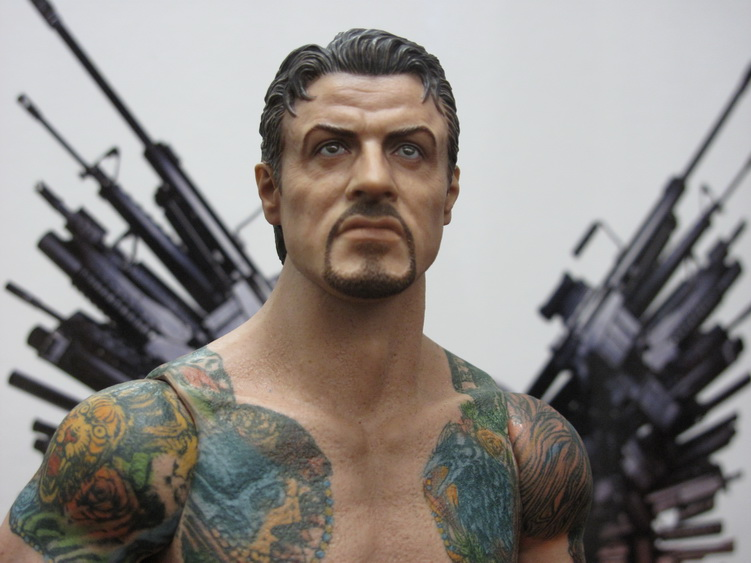 "HOTTOYS (figurine 12"" THE EXPENDABLES) - Page 6 Img_6211"