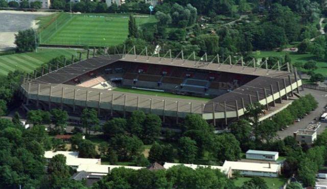 Stade de la Meinau - Page 11 Le-sta10