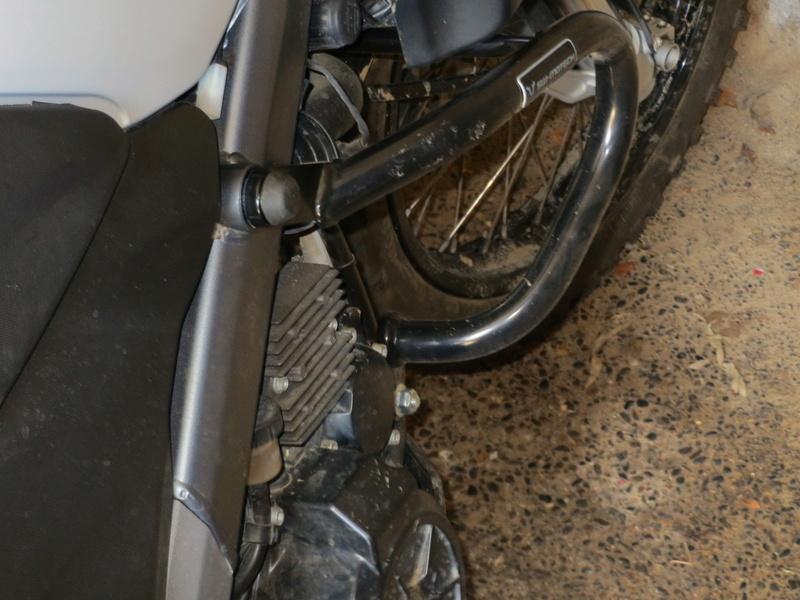 protection tête de vis moto Img_0314