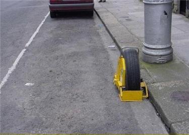 Qui a piqué ma roue ? Sdenve10