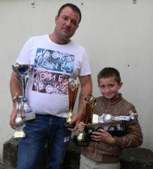 trophée 1 jeune et 1 adulte _benja10