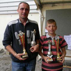 trophée 1 jeune et 1 adulte _minim10