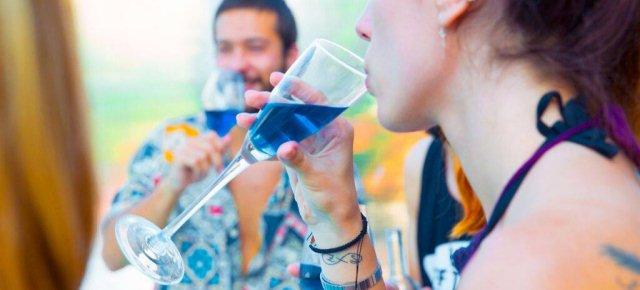Creato il primo vino di colore blu Xe36ca10