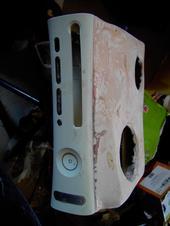 Voici ma Xbox 360 avec coque refait pour une meilleur aération M_4e1f10