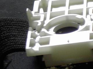Tuto pour ajouter un bouton rapide fire (turbo) sur une wiimote avec LED témoin Pict0024