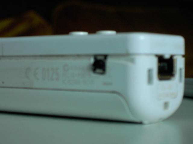 Tuto pour ajouter un bouton rapide fire (turbo) sur une wiimote avec LED témoin Pict0113