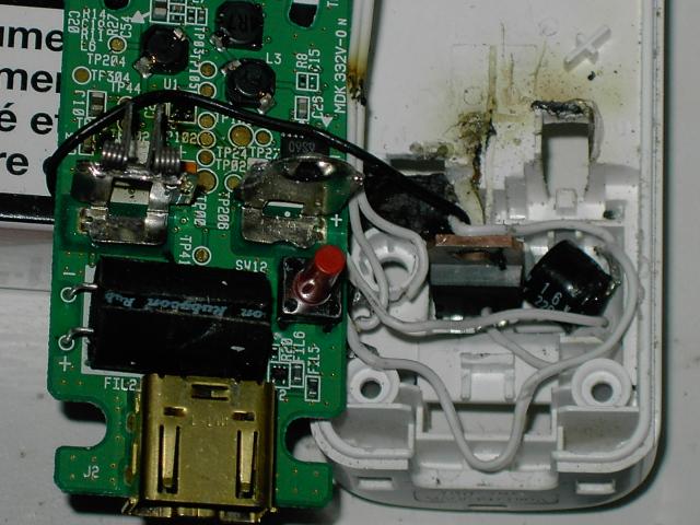 Tuto pour faire une wiimote avec chageur USB intégré ou jouable sans pile Pict0217