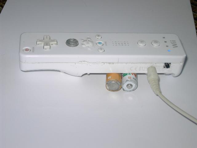 Tuto pour faire une wiimote avec chageur USB intégré ou jouable sans pile Pict0219