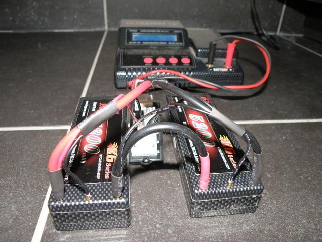 Comment recharger 2 lipos 2s avec une seule sortie de chargeur? Cable210