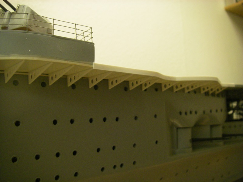 Flugzeugträger Graf Zeppelin 1:100 - Seite 34 Imgp8311