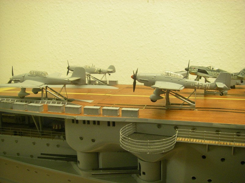 Flugzeugträger Graf Zeppelin 1:100 - Seite 34 Imgp8328