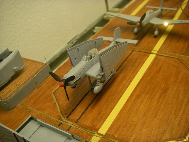 Flugzeugträger Graf Zeppelin 1:100 - Seite 34 Imgp8329