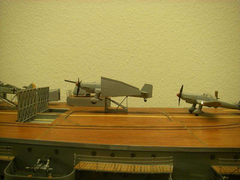Flugzeugträger Graf Zeppelin 1:100 - Seite 34 Imgp8334
