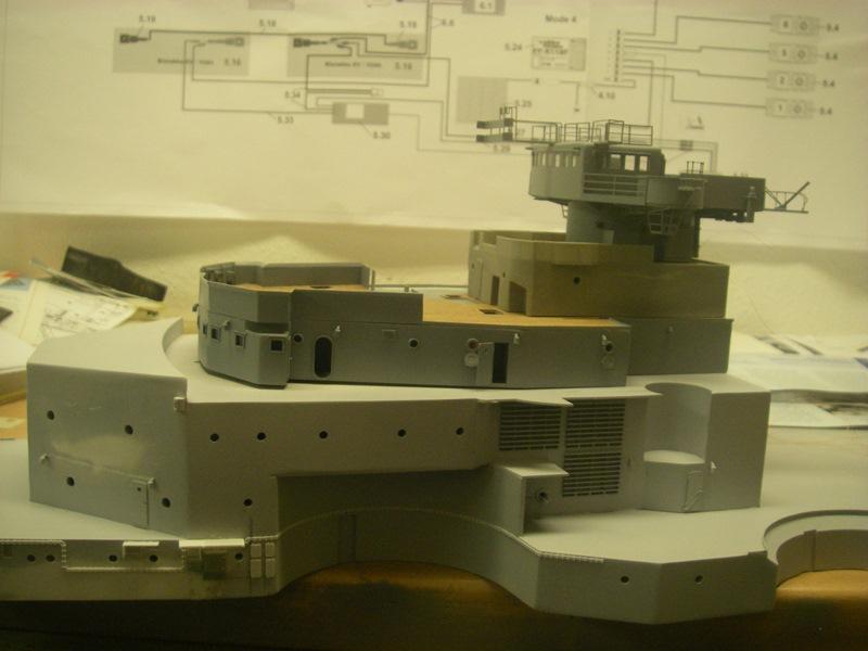 Bau der Bismarck in 1:100  Imgp8527