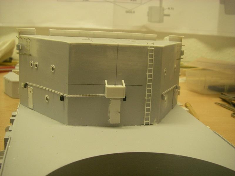 Bau der Bismarck in 1:100  Imgp8557