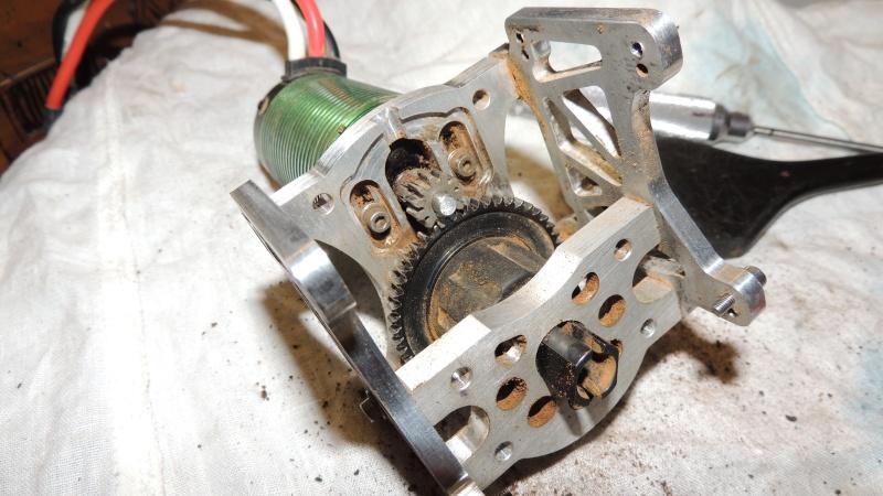 Le Flux HP de Gosraider, Kit différentiel central Alza Racing, Combo Castle Mamba X  - Page 12 Dscn5134
