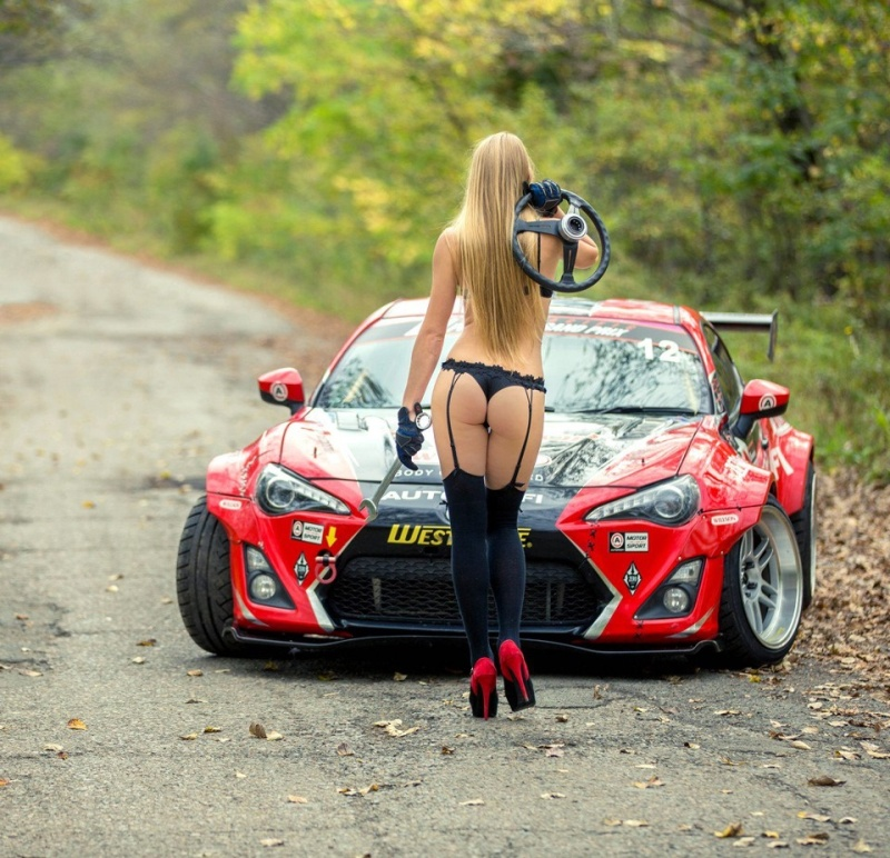 cars and girls  22025810