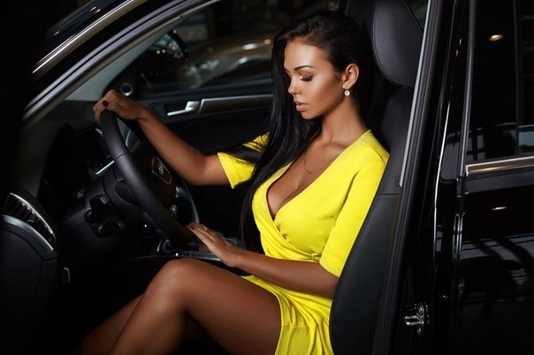 cars and girls  30560910