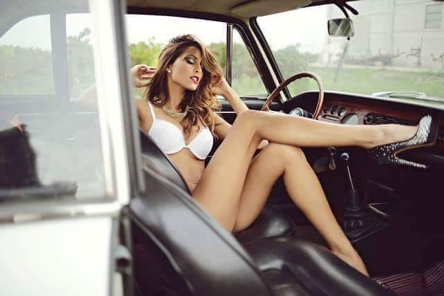 cars and girls  51658910
