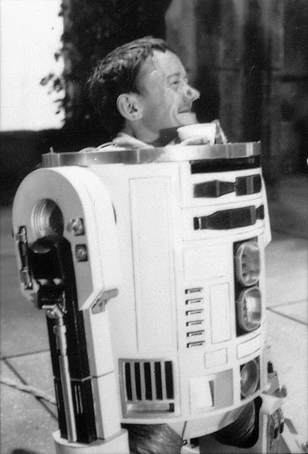 RIP Kenny Baker R2-D2 Bb10