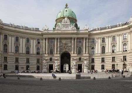 Vienne, la Hofburg 48390110