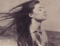 Les coiffures de Françoise Hardy - Page 3 Franco12