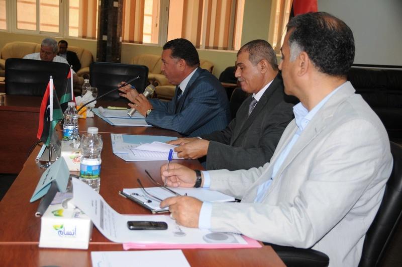 وزير التعليم يجتمع برؤساء الجامعات والهيئات والمراكز والإدارات بالوزارة 13653310