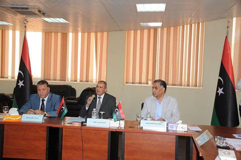 وزير التعليم يجتمع برؤساء الجامعات والهيئات والمراكز والإدارات بالوزارة 13669810