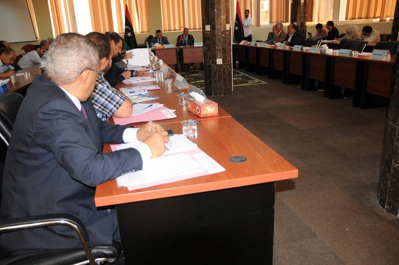 وزير التعليم يجتمع برؤساء الجامعات والهيئات والمراكز والإدارات بالوزارة 13732010