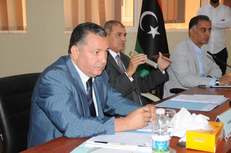 وزير التعليم يجتمع برؤساء الجامعات والهيئات والمراكز والإدارات بالوزارة 13765710