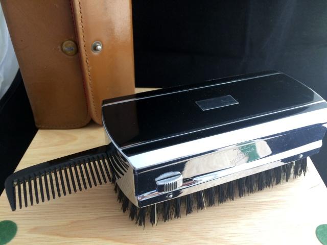 Weekender - Un Gillette tech dans une brosse ... Img_3039