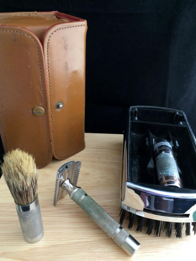 Weekender - Un Gillette tech dans une brosse ... Img_3040