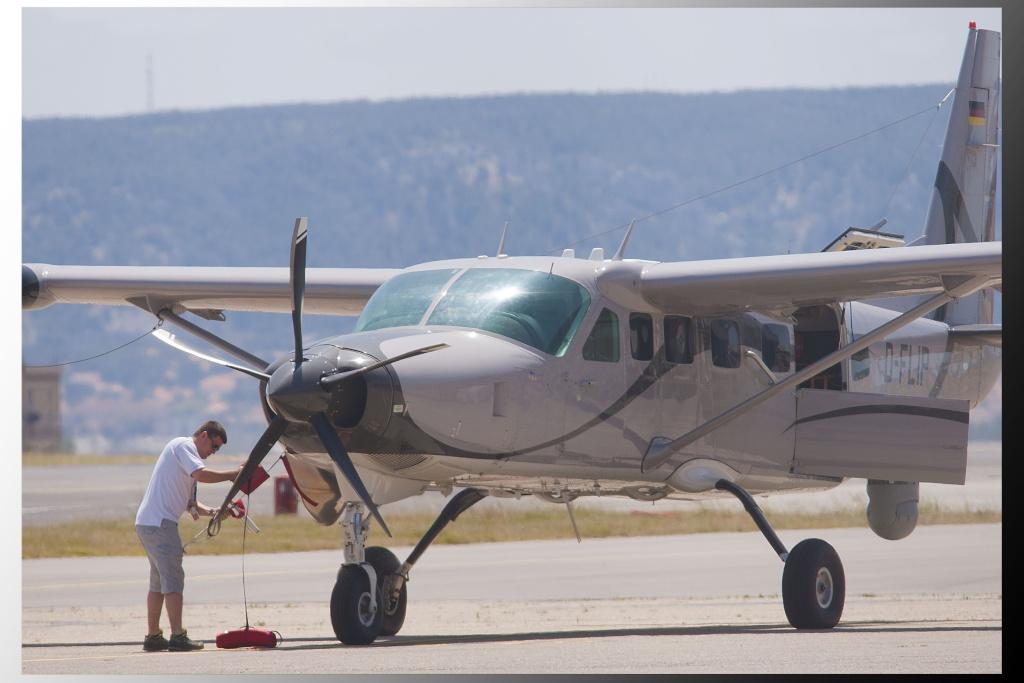 Aéroport Marseille Provence Cessna10