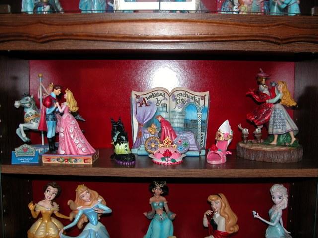 [Collection] Dans la plus Haute Tour de BriarRose (Thème Belle au Bois Dormant, et Princesses) Dscn2856