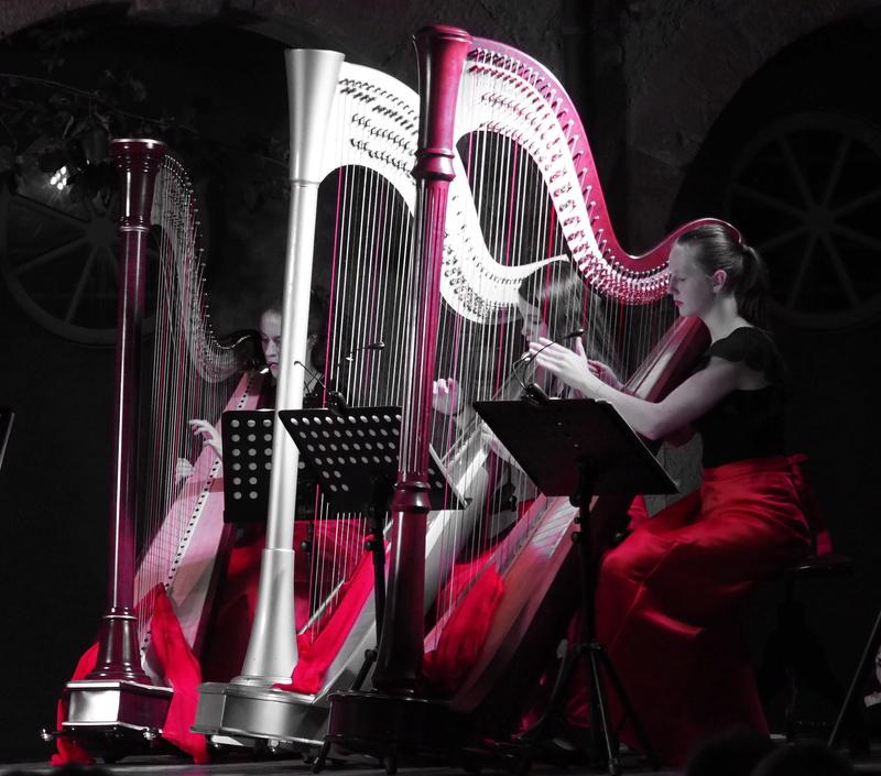 Concert de harpes à Saint Geniez d'Olt... Harpes10