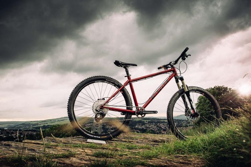 Les vélos Cotic Bfe27511