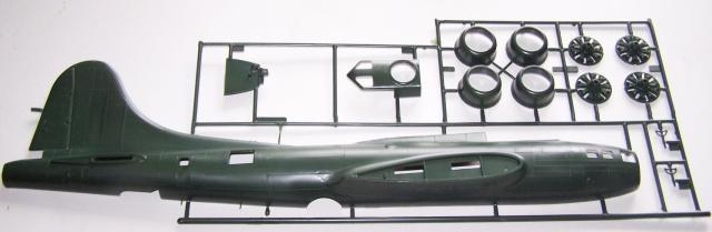 "B-17 Flying Fortress ""Memphis Belle"" in 1:48 von Revell. 111"